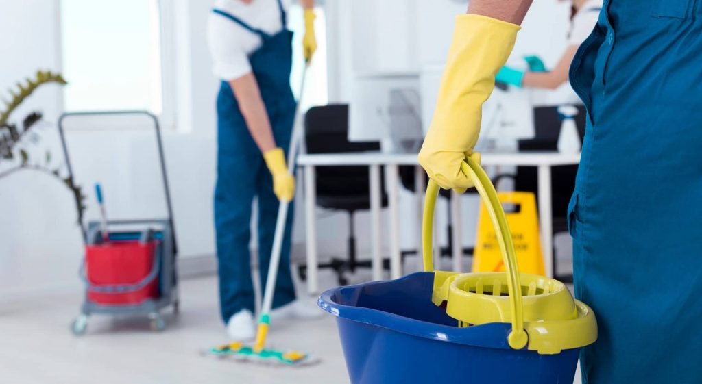 نظافت چی خانم یا آقا